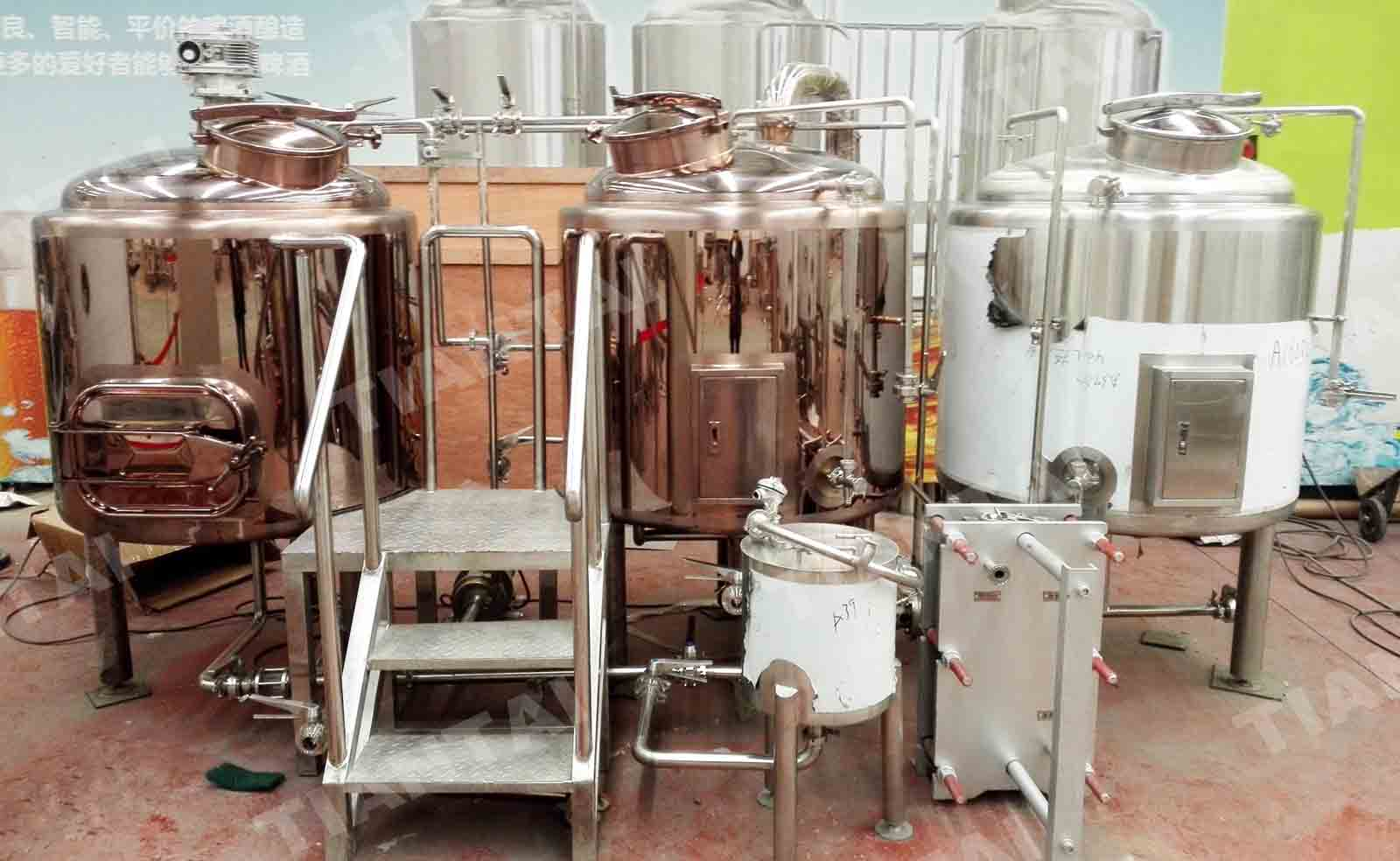 <b>4 HL Copper brewhouse</b>