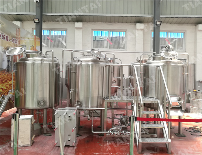 <b>5 HL Stainless steel brewhouse</b>