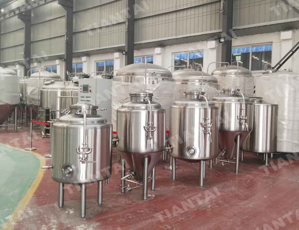 <b>200L Single wall beer fermenter</b>