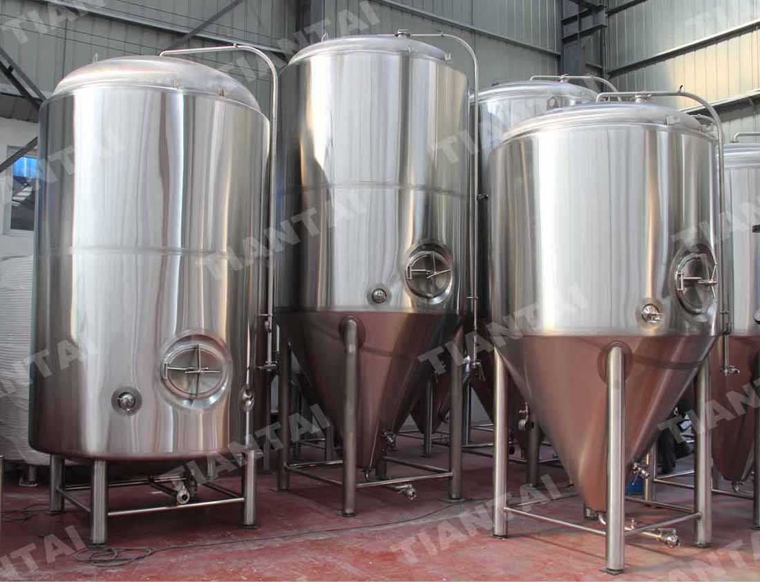 <b>80hl Jacketed conical fermenter</b>