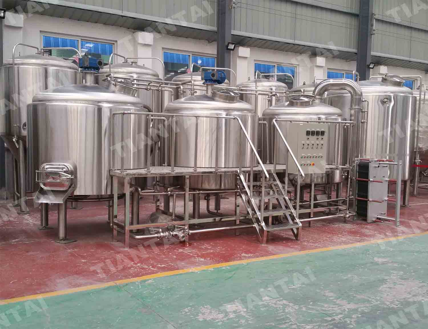 <b>2000L Stainless steel brewhouse</b>