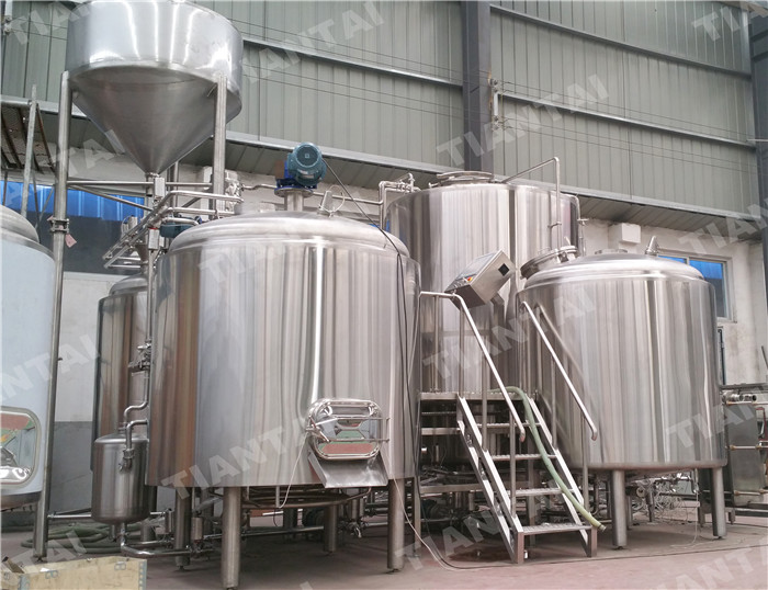 <b>2500L Stainless steel brewhouse</b>