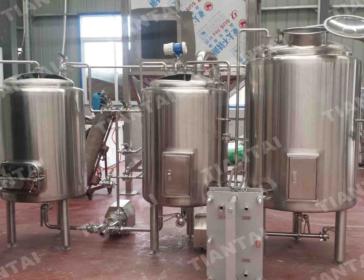 <b>1 HL Two Vessel Brewhouse Equipment</b>