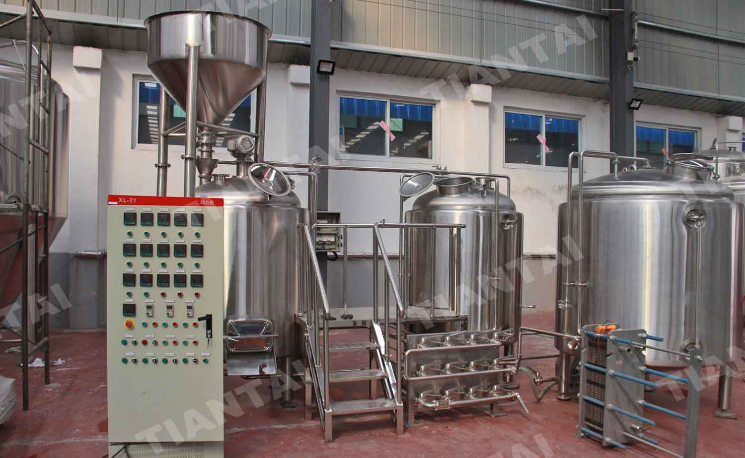 <b>8Hl bar small beer brewery equipment</b>