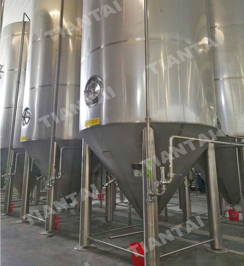 <b>200hl Jacketed conical fermenter</b>