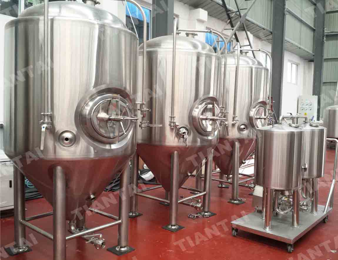 <b>10bbl Single wall beer fermenter</b>