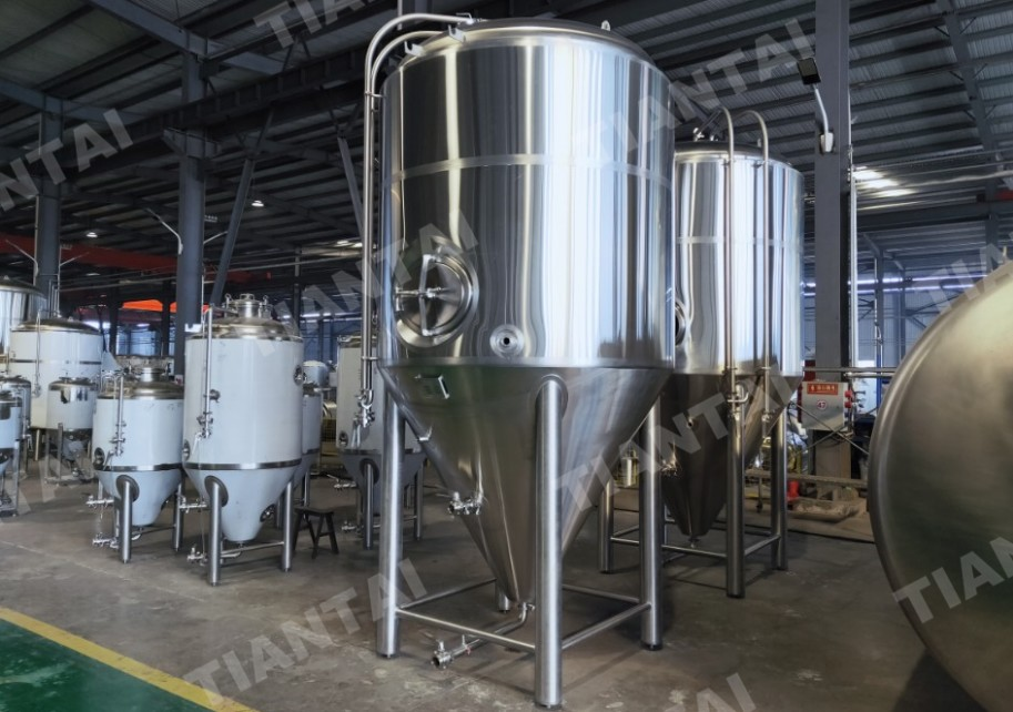 30BBL Jacketed Conical Fermenter Being Shipped to Canada