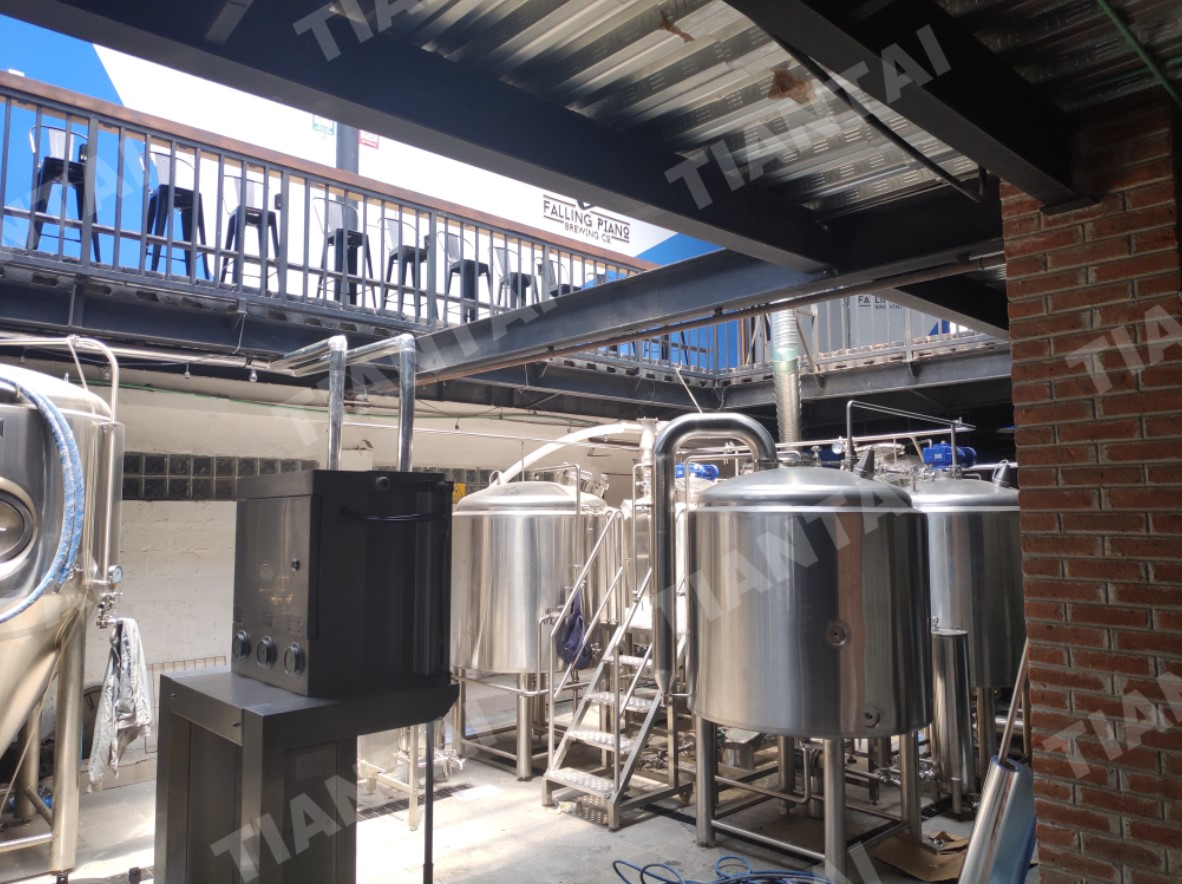 <b>1200L Four Vessel Micro Brewing Equipment Installed in Mexico</b>