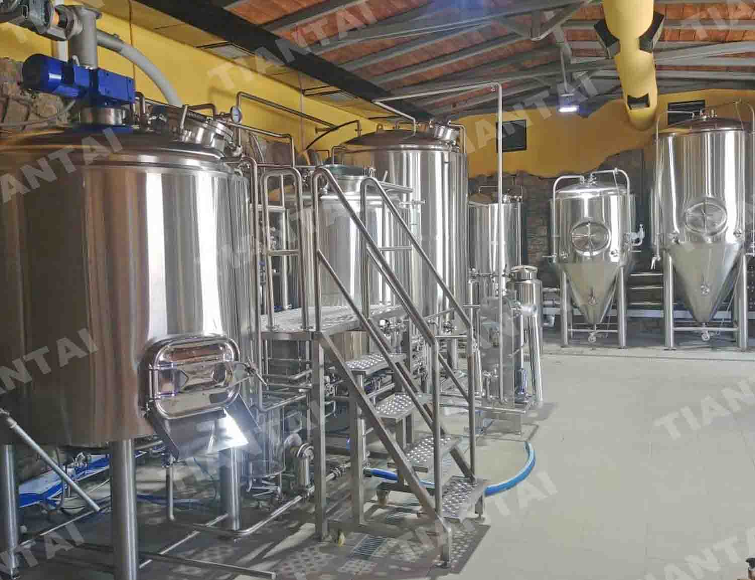 <b>1200L Beer Brewery System Finished Installing in Greece</b>
