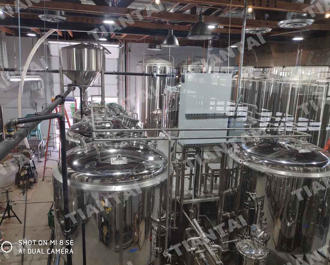 <b>20bbl four vessel brewery equipment is under installation in America</b>