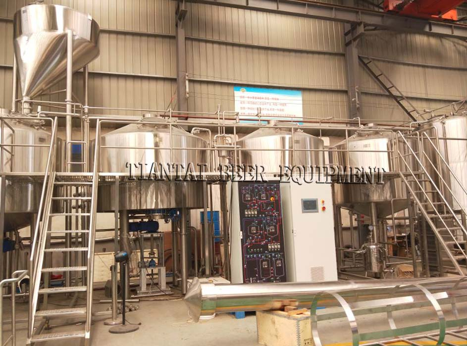 <b>PLC Controlled 5000L four vessel brewery equipment with 200HL fermenter</b>