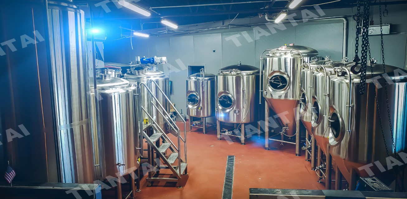 <b>5BBL Beer Making Machine Arrived and Being Installed In US</b>