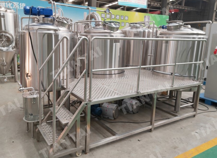 <b>The 500l beer brewing machines shipped to Switzerland</b>