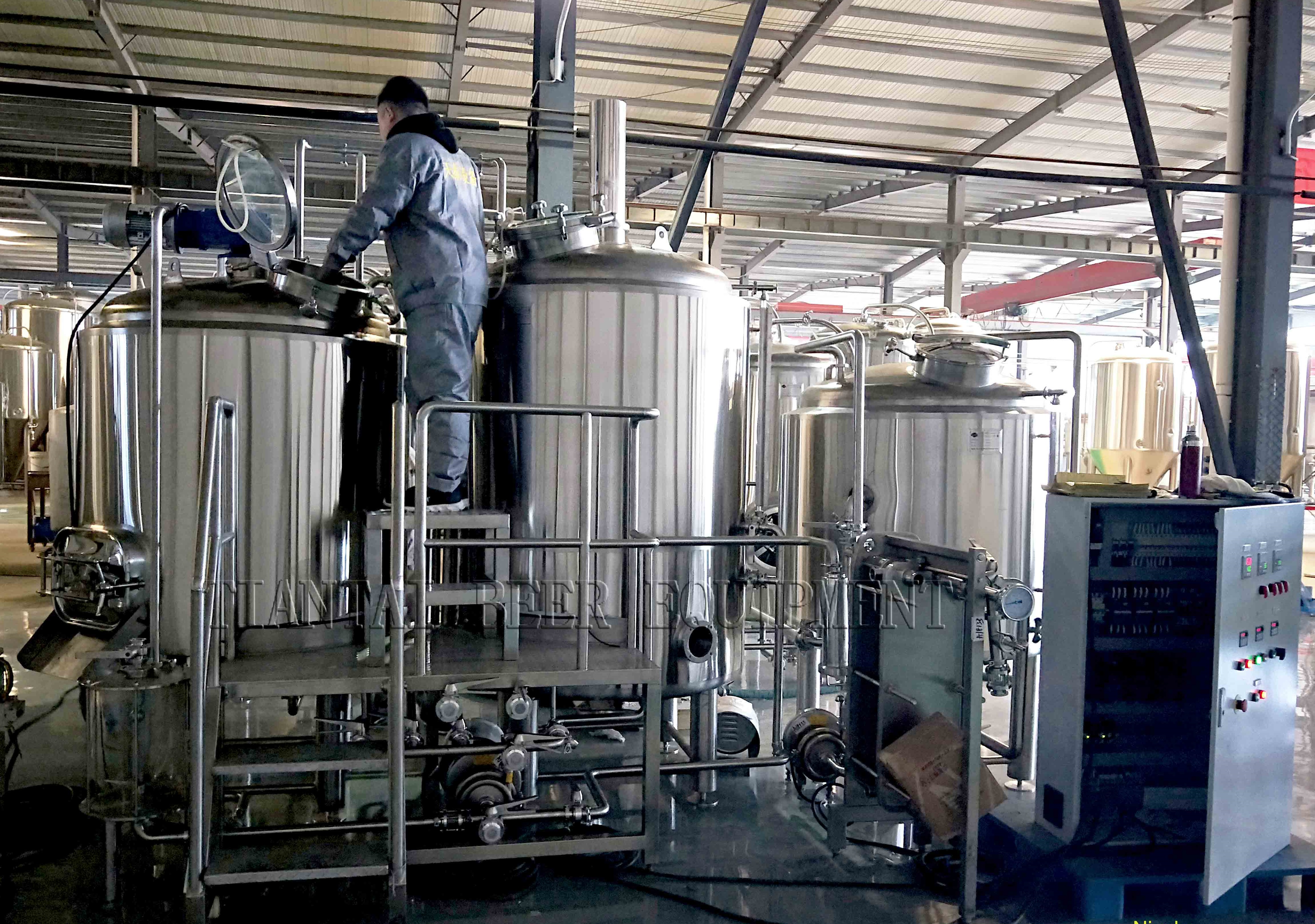 <b>Test running of 7bbl brewery before delivery</b>