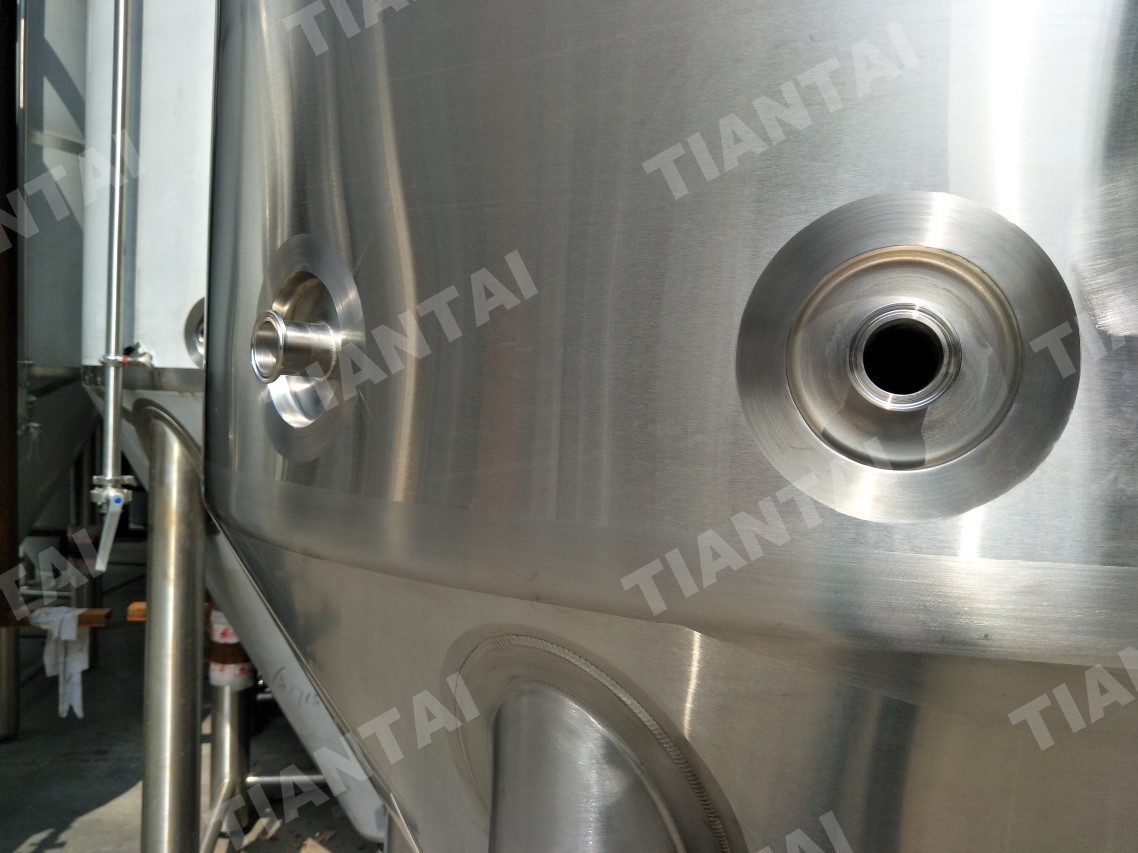 1000L Jacketed Conical Fermenter with New Racking Ram Design