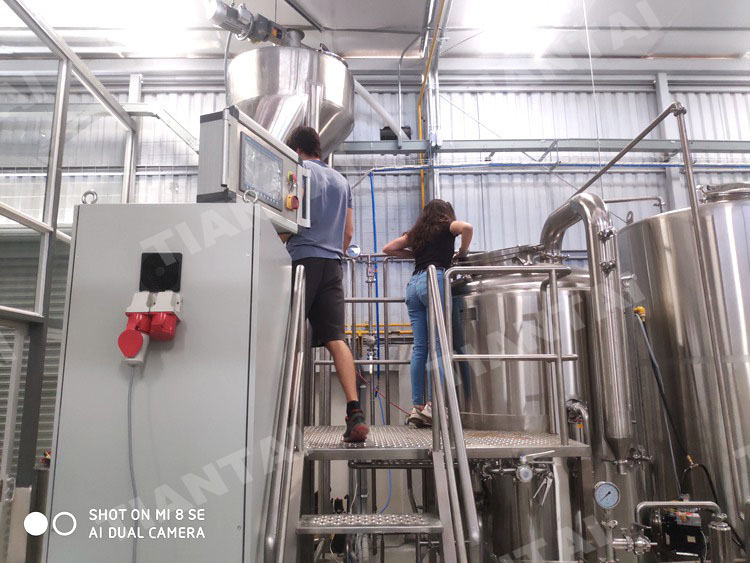whirlpool tun of brewhouse