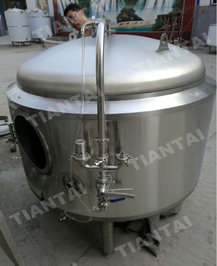 <b>18HL Double wall bright beer tank</b>