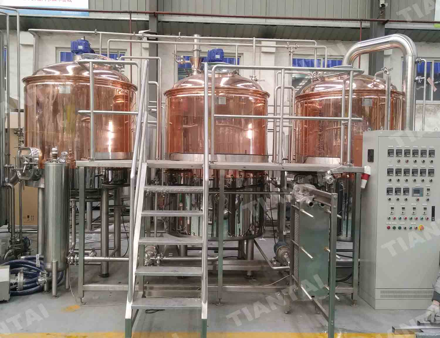 <b>1000L THREE VESSEL STEAM HEATING BEER SYSTEM in Argentina</b>