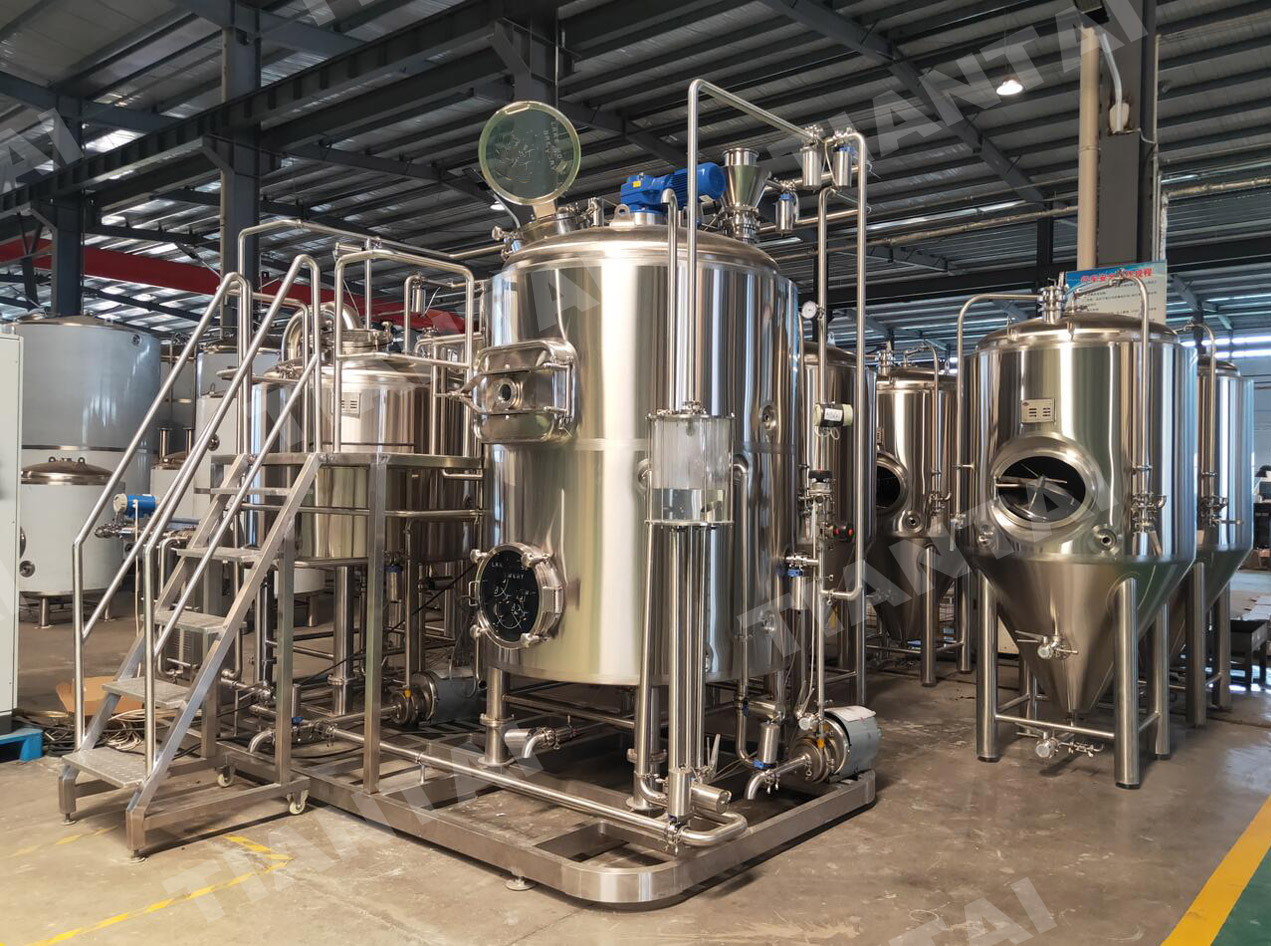 <b>1000L combined three vessel brewhouse with PLC control</b>