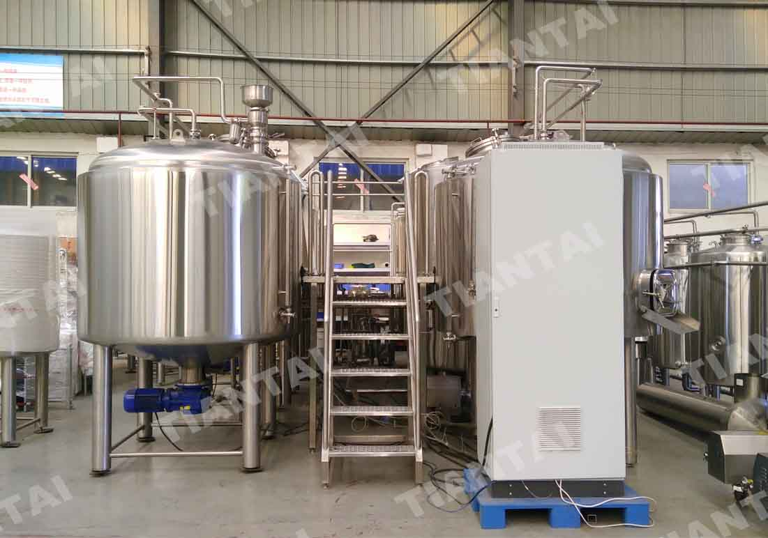 <b>Automated 2000L four vessel brewery--PLC control</b>